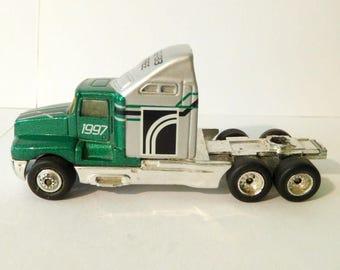 Vintage MATCHBOX 1993 TRUCK Kenworth T600 Green - Toy