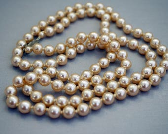 Vintage Glass Pearl Cream Color Faux Pearl Necklace Hand Knotted VC7