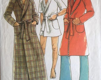 Vintage 1974 sewing pattern for making men's retro robes / dressing gowns / housecoats (Style 4838)