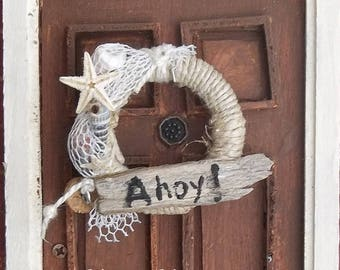NEW Miniature Door Wreath in 1:12 Scale for Dollhouse Beachside Summer Cottage Decoration