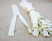 Destash - 10 Inch (25cm) Vanilla YKK Zippers, 10 pieces -Ivory, off white, YKK color 121, dress, skirt, pouch, all purpose zippers
