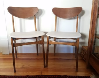 Charming Mid Century Danish Modern Chairs, Vintage Dining Side Chairs, Pair Retro  Scandinavian Chairs,