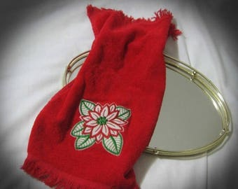 30% Off Clearance Sale Vintage Appliqued Poinsettia Christmas Fingertip Holiday Towel by Cannon
