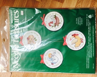 Needle Treasures Stitchery Kit 2 Christmas Country Ornaments CHICKEN GOOSE