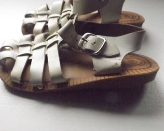 Vintage Baby Girls Fisherman Sandals 6 1/2 Made In Spain, Vintage White Sandal, White Leather Sandals, 80s Girls Shoes