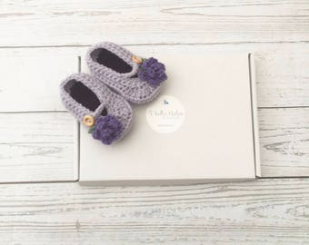 Crochet baby girl shoes | purple baby shoes | infant shoes | flower girl shoes | baby girl gift