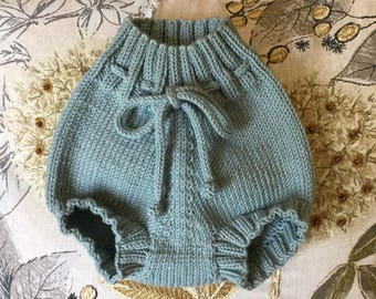 Hand knitted baby pants. Baby bloomers. Baby Pants. Hand knitted shorties. Knit diaper cover.Made to order.
