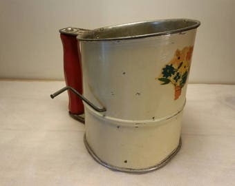 FLOUR SIFTER Hand Crank Vintage  with Wooden Handle and Cute Floral Decal