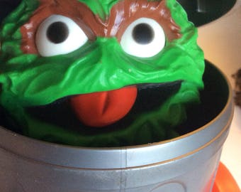 Vintage Fisher Price Toy Oscar the Grouch #177 pop up toy