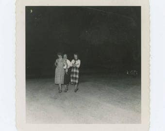 Vintage Snapshot Photo: Three Women, 1950s (610506)