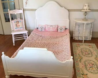 White Shabby Chic Twin Bed