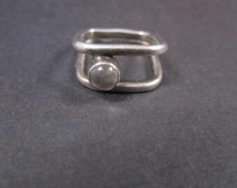 Sterling modernist ring with stone