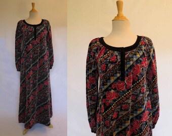 1960s Vintage Dress - Carpet Rose Maxi Dress, Hostess Dress, Lounge Wear