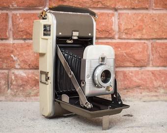 Polaroid 80B Land Camera