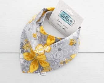Funky Baby Bandana Bib - Drool Bib - For baby and toddler - Flowers yellow and grey