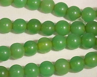 10 round green 8mm acrylic beads