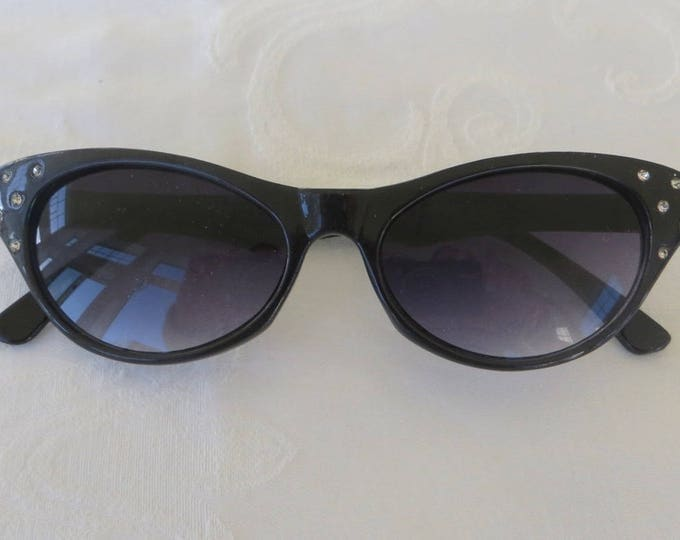 Vintage Rhinestone Cats Eye Sunglasses, Black with Gradient Grey Lenses, 1950s Style Sunglasses, Vintage Cat Eye Glasses