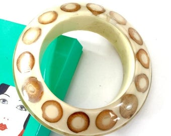 Atomic Saucer Shaped Resin Bangle, Chunky Resin Bracelet,  Bamboo Slices, Great Neutrals