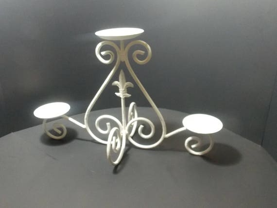 White Metal Pillars : Chippy white metal candle holder pillar table