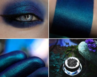 Eyeshadow: Herald of the Storm - Mermaid. Deep blue satin eyeshadow by SIGIL inspired.