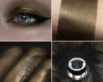 Eyeshadow: Head of the Flock - Mountain Thorp. Brown satin eyeshadow by SIGIL inspired.