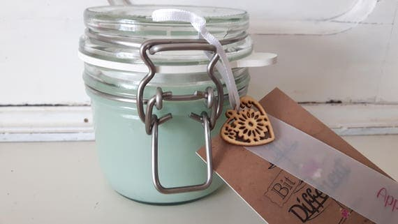Apple candle. Kilner style jar. Beautiful soy wax candle scented with apple.  Vegan candles.  Eco soy.  Made in Wales UK