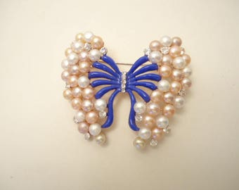 Lovely Vintage Butterfly Brooch White/Pink Faux Pearls, Clear Rhinestones Blue Enamel On Gold Tone