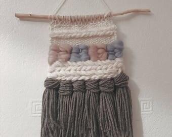 Mini wall weaving