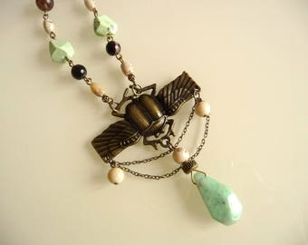 Ethnic necklace the Juju!