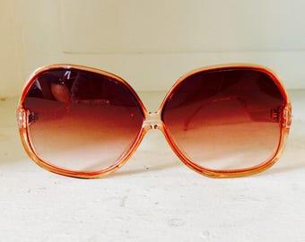 1970's 1980's Vintage Retro Rose Pink Colored Ombre Gradient Oversize Sunglasses