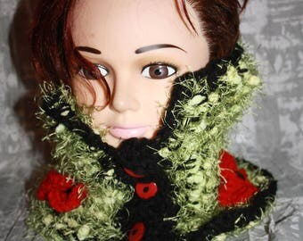 green button and black crochet collar