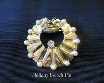 Vintage brooch wreath brooches