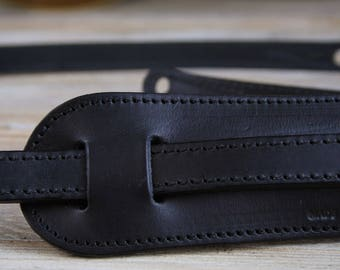 """GS24 Black Leather Guitar Strap, vintage style, 3/4"""" width with shoulder pad"""