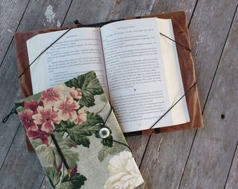 Medium book cover / hands-free reading trade size book holder / floral print / book privacy / bookworm / bibliophile / paperback cover