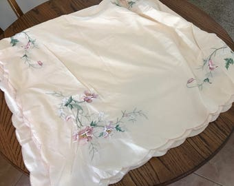 Gorgeous embroidered pink poppy vine patterned tablecloth. Long, square.