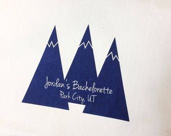 Set of 12 Custom Mountain Peaks Screen Printed Canvas Bags For Wedding Guests, Personalized wedding totes, Rustic ski wedding bags