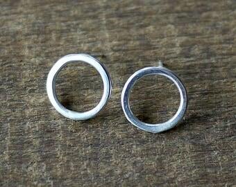 Small Hoop Earrings, Minimalist Earrings, Small Hoops, Circle Earrings, Silver Hoop Earrings, Handmade, Simple Earrings, Silver Hoops