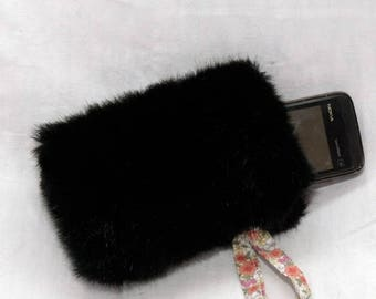 Black faux fur iphone pouch