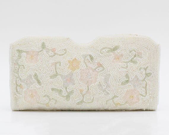 Vintage 1930s White Floral Beaded Clutch