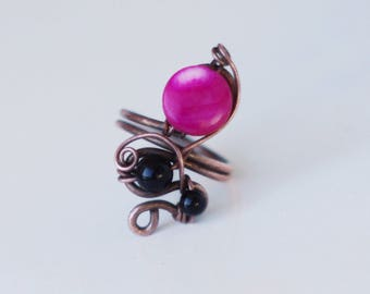Copper ring/ Pink pearl/black glass