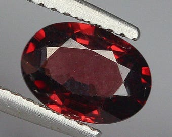 1.56 Ct Natural Purplish Red RHODOLITE GARNET