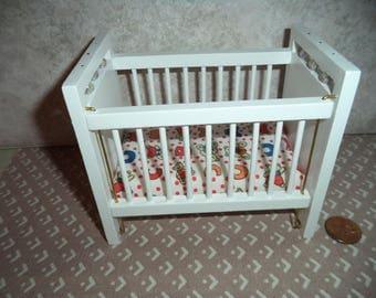 1:12 scale Vintage Dollhouse White Crib