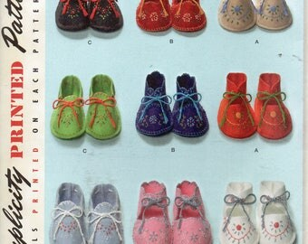 Simplicity Pattern 2867  BABY BOOTIES