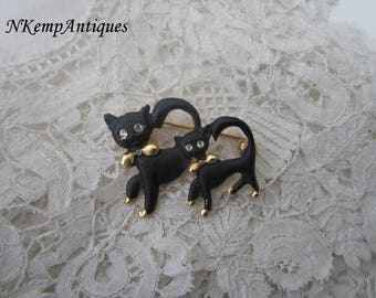 Vintage cat brooch 1950's