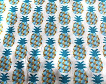 coupon 50x70cm pineapple fabric