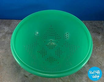 Vintage Tupperware Mint Green Strainer or Colander Star Design - Plastic