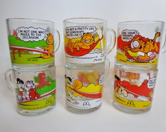 Vintage 70s Garfield & Odie Collectible McDonalds Glass Coffee Mug, Funny Cartoon Cat Glassware Collection Retro 80s Kitsch Gifts