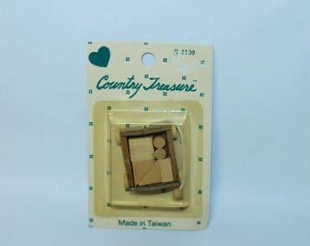 Country Treasure Minature Wooden Wagon with Blocks 2130  Made In Taiwan Dollhouse, Shadowbox