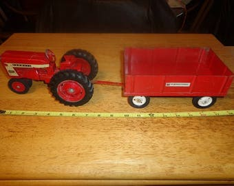 1 to 16 scale Original Ertl Farmall 404 diecast toy tractor and all metal International wagon ,USA