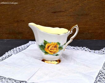 """Vintage Paragon Fine Bone China Harry Wheatcroft Roses """"Mme Ch Sauvage"""" Six world famous Roses Small Milk Jug/Creamer Collectible Paragon"""